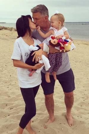 Alec und Hilaria Baldwin mit ihren Kindern Carmen Gabriela und Rafael Thomas.