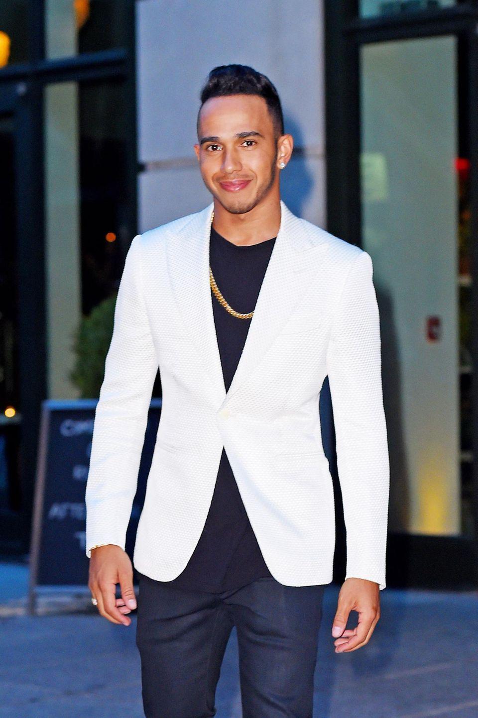 Lewis Hamilton: Zwei Superstars und heiße Blicke auf Barbados. Sommerflirt oder mehr? Tipp: Riri wird auch ihm irgendwann den Laufpass geben