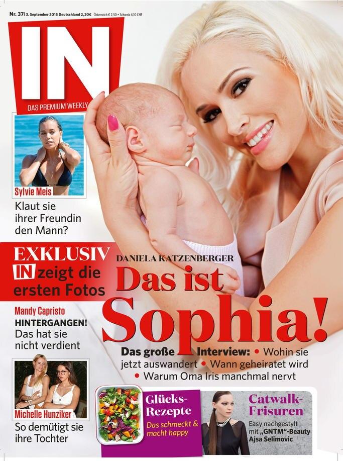 """Mutter und Tochter zieren das Cover der Zeitschrift """"In""""."""