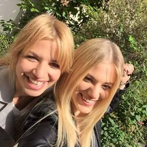 Susan Sideropoulos, Larissa Marolt