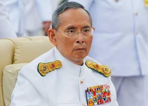 Öffentliche Auftritte von Thailands König Bhumibol wie hier 2012 in Bangkok sind selten.