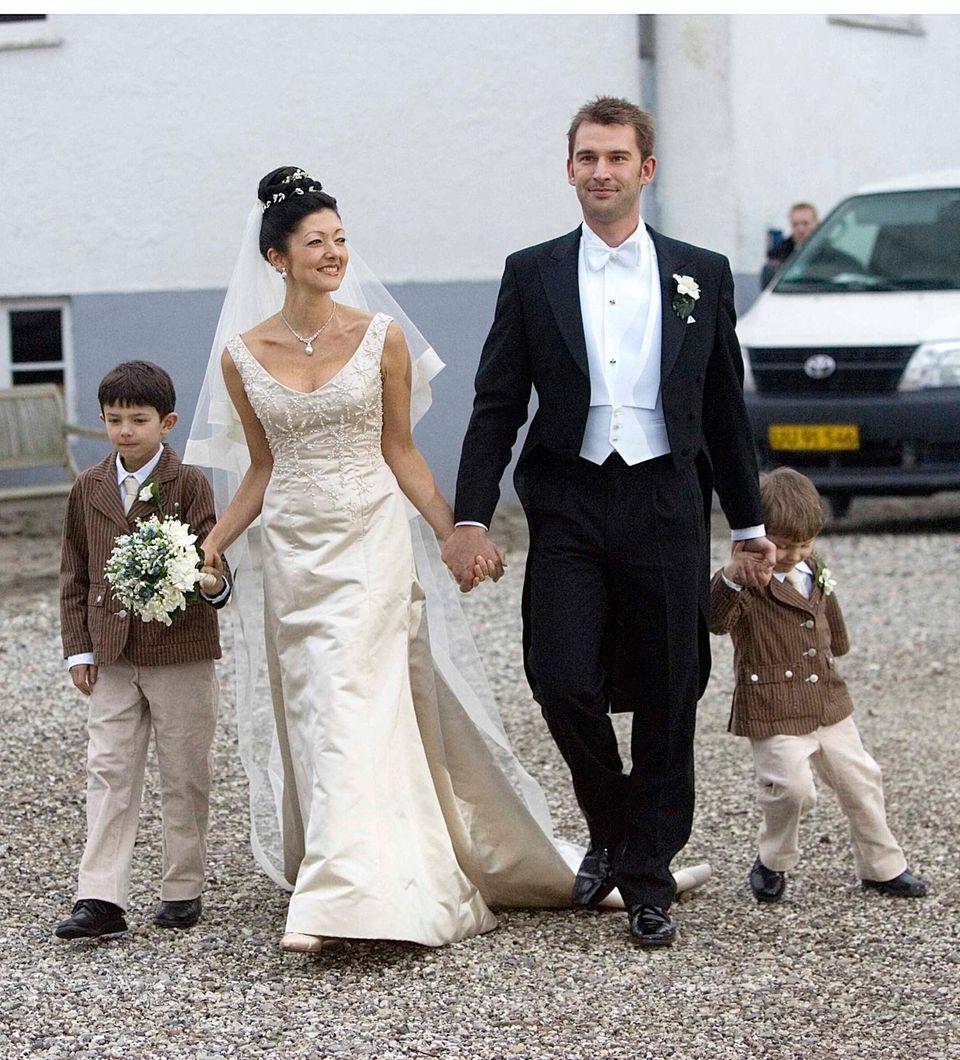 2007 heiratet Gräfin Alexandra den Fotografen Martin Jørgensen. Die Prinzen Nikolai und Felix sind an diesem großen Tag natürlich dabei.
