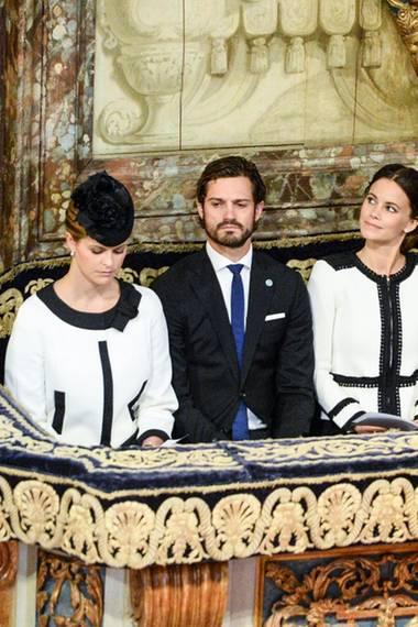 Prinzessin Madeleine, Prinz Carl Philip, Prinzessin Sofia, Prinz Daniel und Kronprinzessin Victoria besuchen den Gottesdienst in der Stockholmer Storkyrkan anlässlich der Parlamentseröffnung.