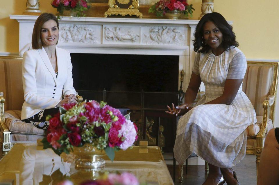 Zum Tee empfängt Michelle Obama die Königin in Washington.
