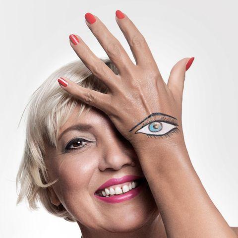 Claudia Roth (Top in Rosé: Gudio Maria Kretschmer by Heine)