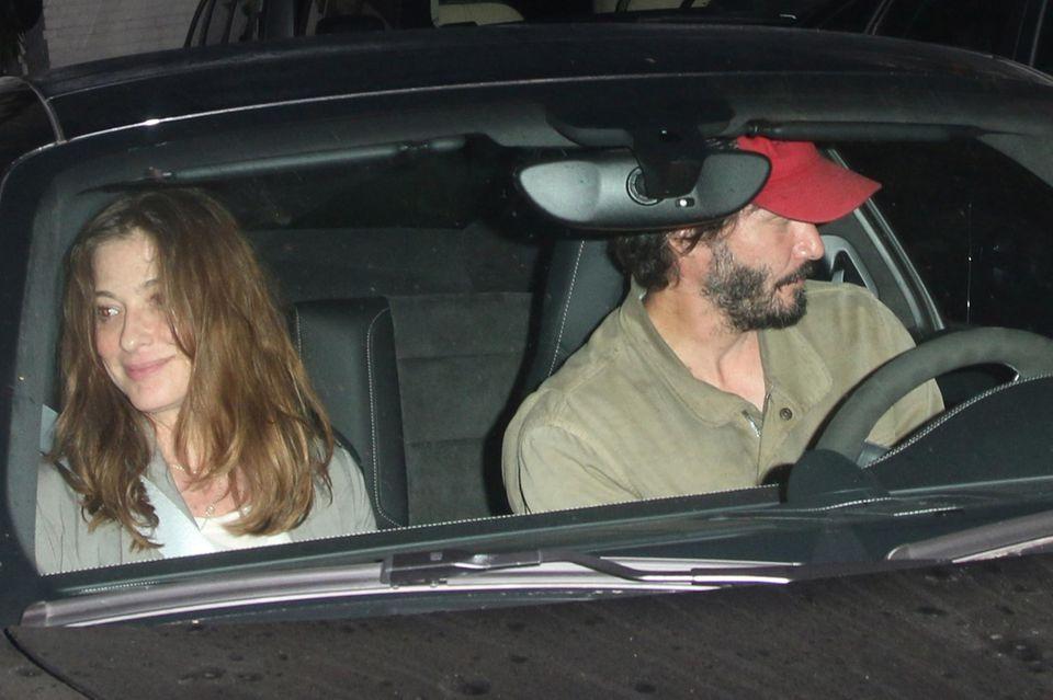 Keanu Reeves wurde in Los Angeles mit dieser brünetten Unbekannten gesehen.