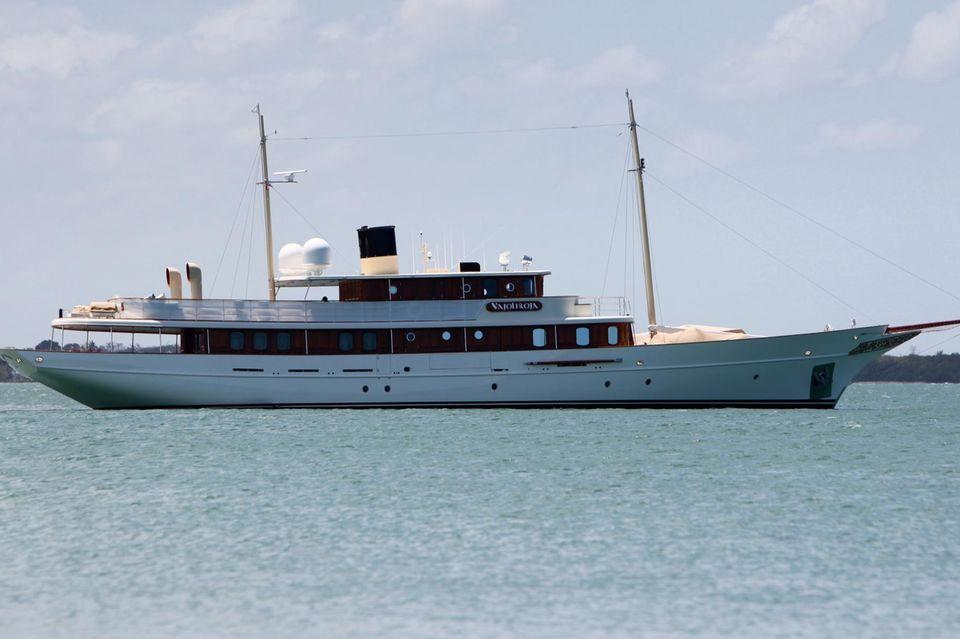 Die 29 Millionen teure Luxus-Yacht war ursprünglich ein Geschenk für Johnny Depps' Ex-Freundin Vanessa Paradis