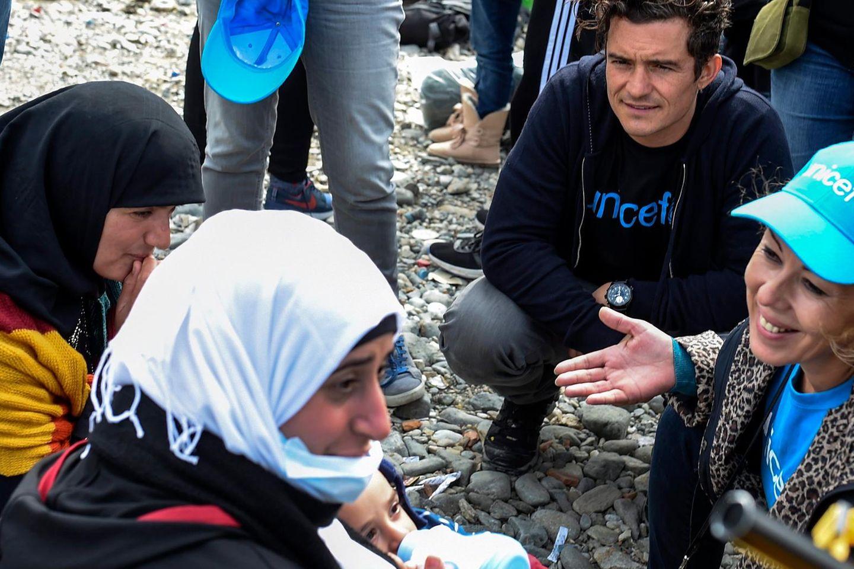 Orlando Bloom: US-Star besucht Flüchtlinge in Mazedonien