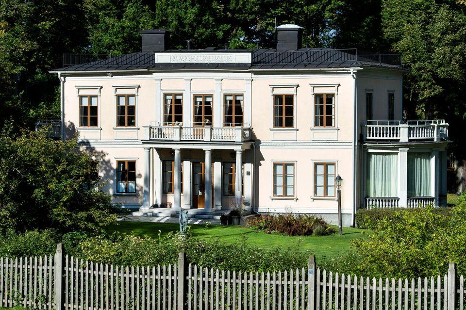 """Der """"Königinnnen-Pavillon"""" von Schloss Rosendal könnte das neue Zuhause von Proinzessin Sofia und Prinz Carl Philip werden."""