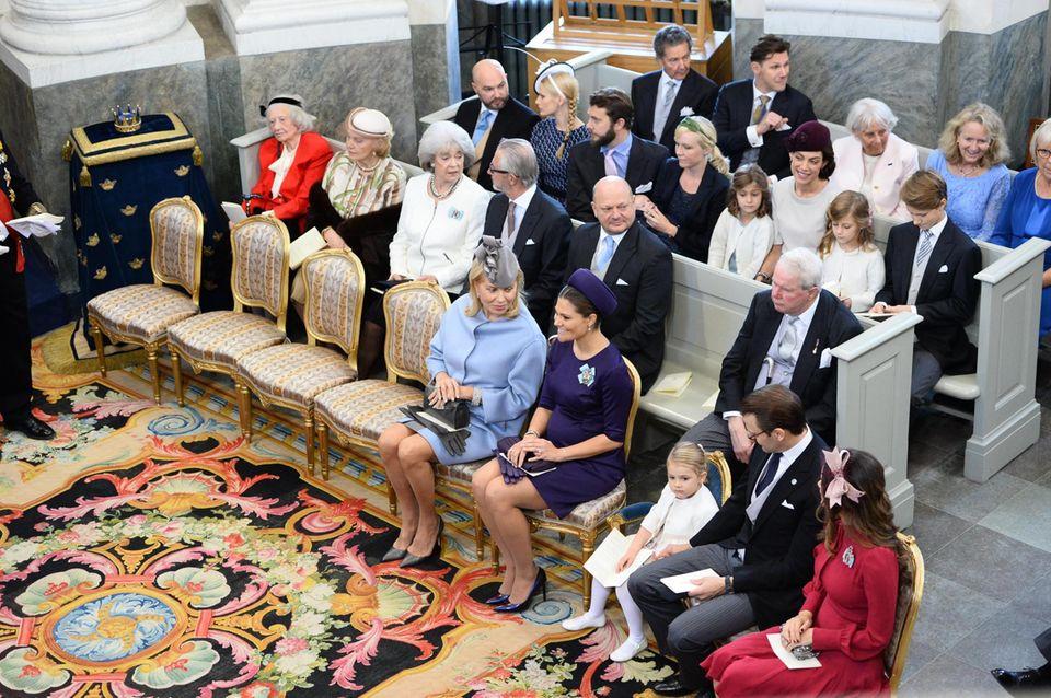 Gleich geht es los: Die Gäste haben sich in der Schlosskirche von Drottningholm eingefunden.