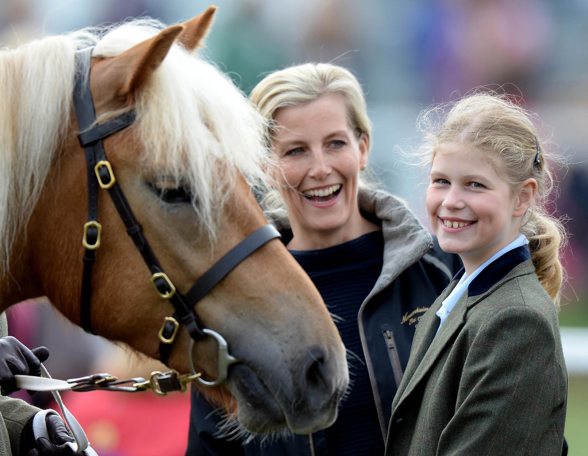 Gräfin Sophie + Lady Louise