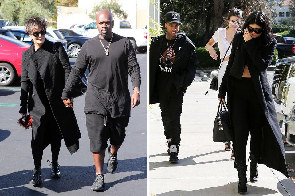 Kris Jenner kommt an der Hand ihres Freundes Corey Gamble zur Party. Kylie und Kendall Jenner haben Tyga im Schlepptau.