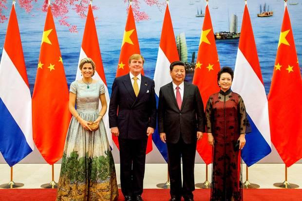 Sie kann doch noch strahlen: Trotz einer Nierenbeckenentzündung war Königin Máxima beim Staatsbankett in Peking anwesend.