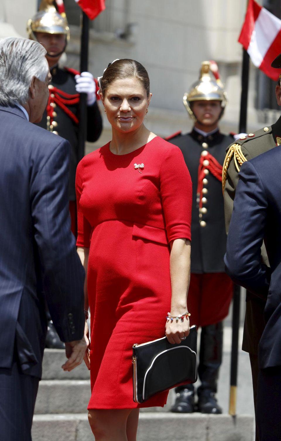 Victoria im Babyglück: Ihr Bauch ist schon deutlich erkennbar.