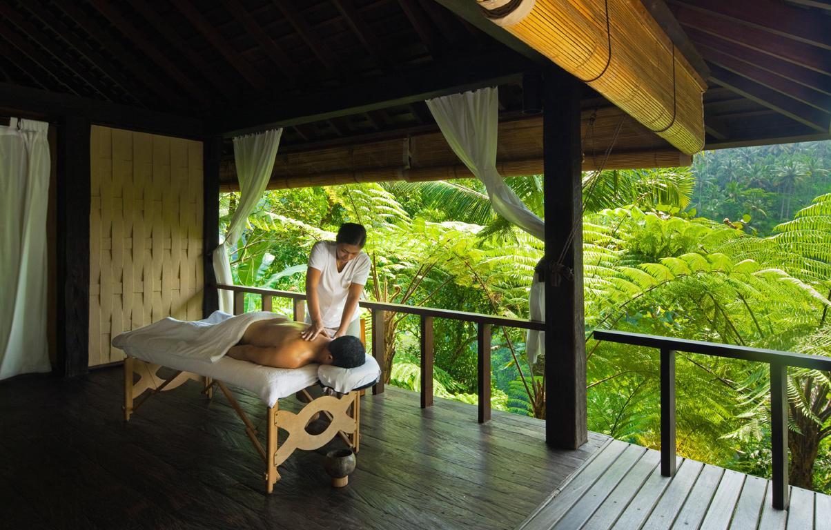 Exklusive Massage-Location am Hochufer: Hier beruhigt schon das Rauschen des Flusses Ayung die Sinne