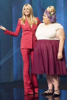 """Heidi Klum zusammen mit ihrer Gewinnerin von """"Project Runway"""": Plus-Size-Designerin Ashley Nell Tipton"""