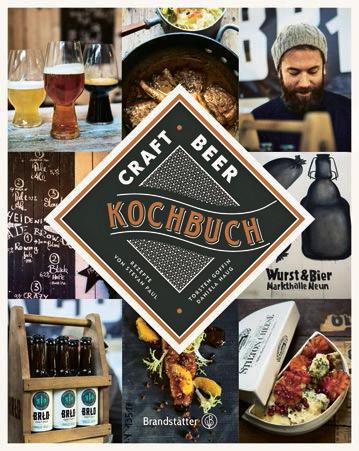 """Da braut sich was zusammen: Craft Beer liegt im Trend. Die Food-Blogger und Kochautoren Torsten Goffin und Stevan Paul entführen in die geschmacksintensive Braukultur. So servieren sie neben Porträts und Geschichten bierkorrespondierende Speisen wie Self-Made-Burger oder Kalbskotelett mit Vanille¬butter. (""""Craft Beer Kochbuch"""", Brandstätter Verlag, 240 S., 34,90 Euro)"""