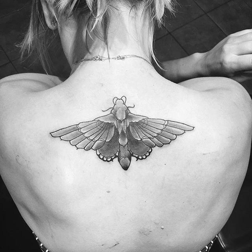 So sieht Kaley Cuocos neues Tattoo aus.