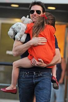 Vater und Tochter in New York, kurz nach Bekanntgabe der Trennung 2012. Tom Cruise verbrachte damals noch regelmäßig Zeit mit Suri.