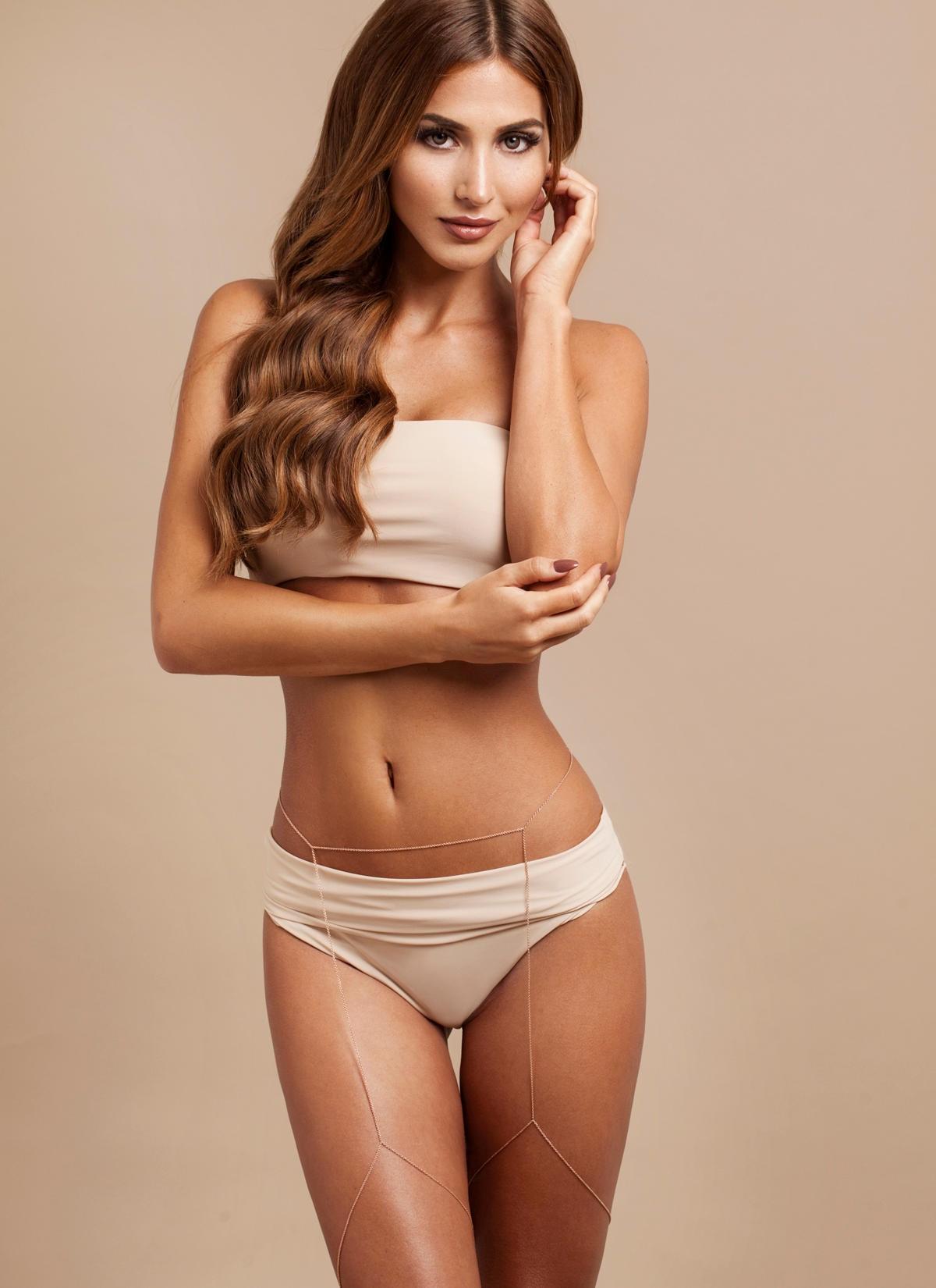 Angelique Pettyjohn Topless ann-kathrin br�mmel: sexy bikini-fotos aus der karibik