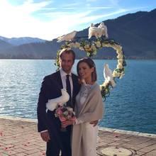 Karolin Oltersdorf mit ihrem Mann Thomas Kandler bei der Hochzeit