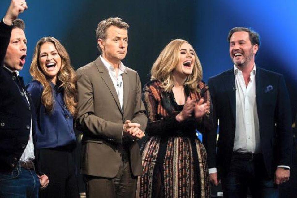 """Prinzessin Madeleine in der Talkshow """"Skavlan"""" mit Jamie Oliver, Adele und ihrem Mann Chris O'neill"""