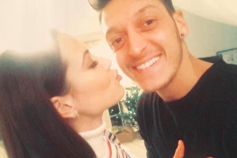 Mandy Capristo, Mesut Özil