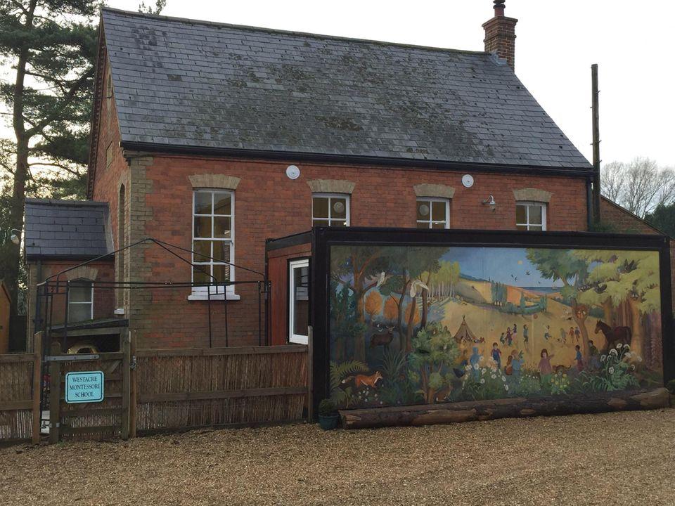 """Die """"Westacre Montessori School Nursery"""" ist der neue Kindergarten von Prinz George."""