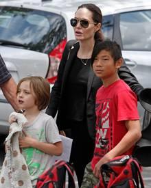 16. Mai 2015  Angelina Jolie besucht mit Knox und Pax ein Fußballspiel von Shiloh.