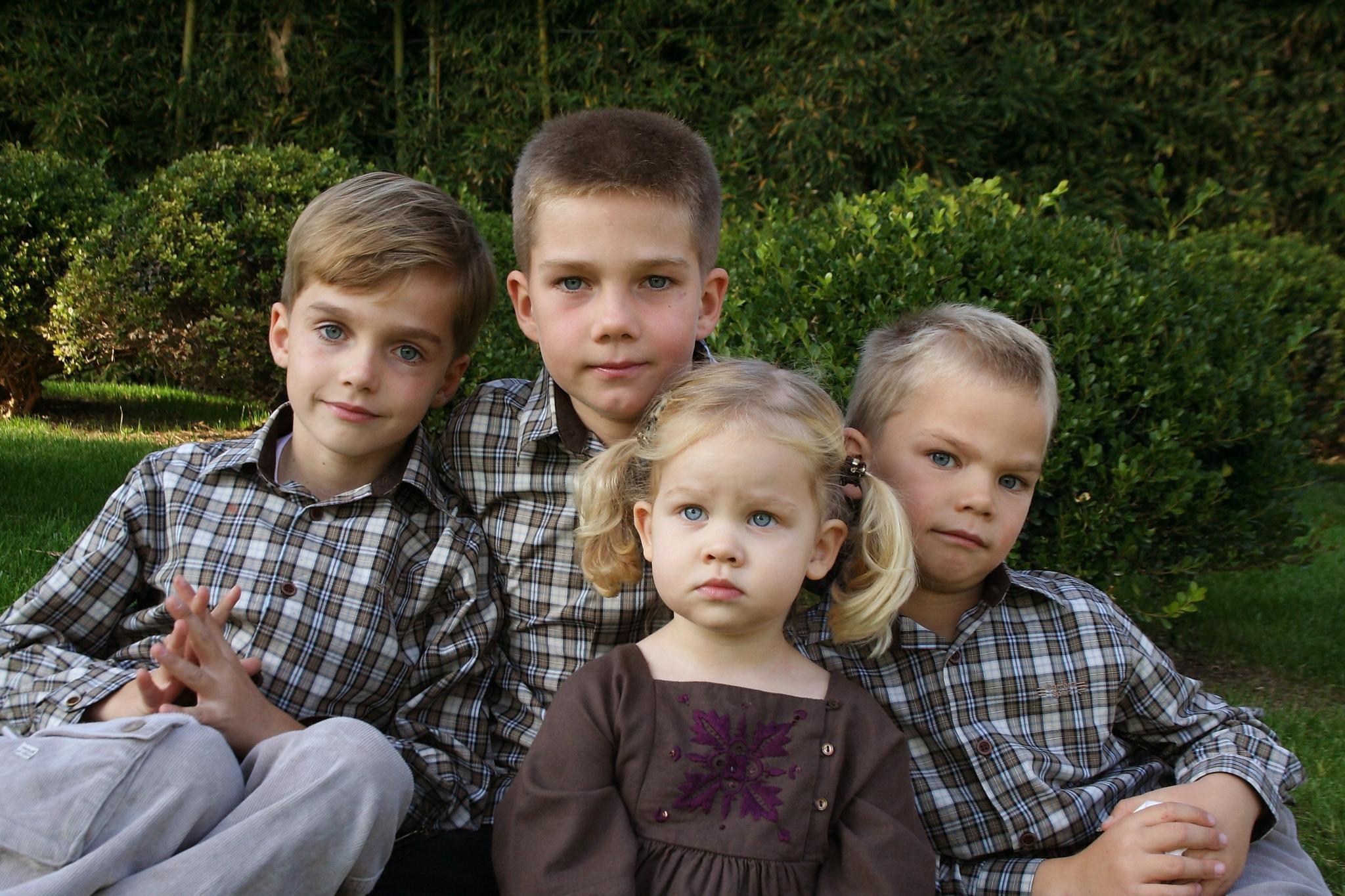 Drei Söhne (Pablo, Juan, Miguel) und zum Abschluss noch eine kleine Tochter, Irene: Diese vier komplettierten das Familienglück von Cristina und Inaki - und verschafften den beiden große Zustimmung bei öffentlichen Auftritten. (Archivbild von 2007)