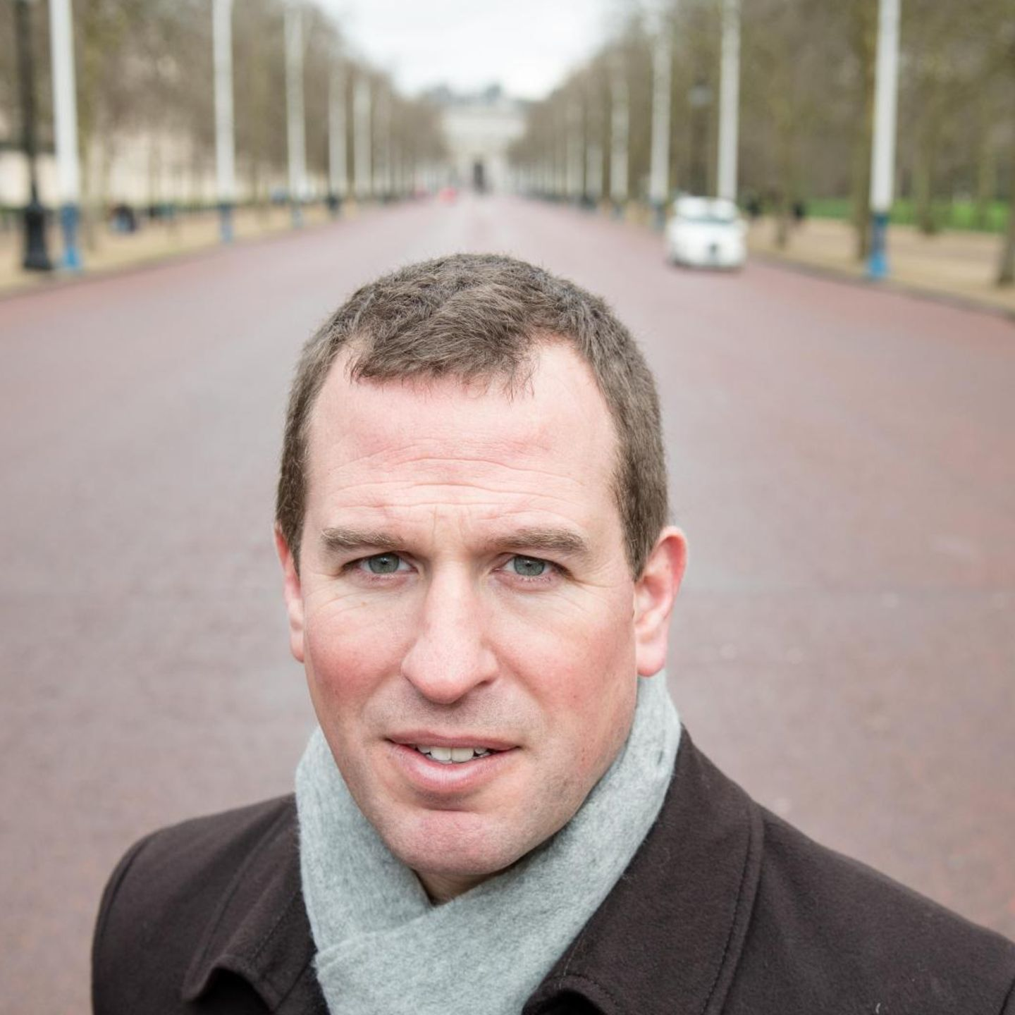 """Peter Phillips vor """"The Mall"""""""