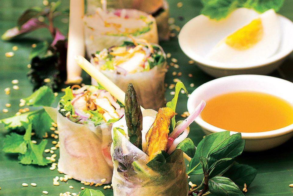 Sommerrollen mit Kurkuma-Zitronengras-Tofu