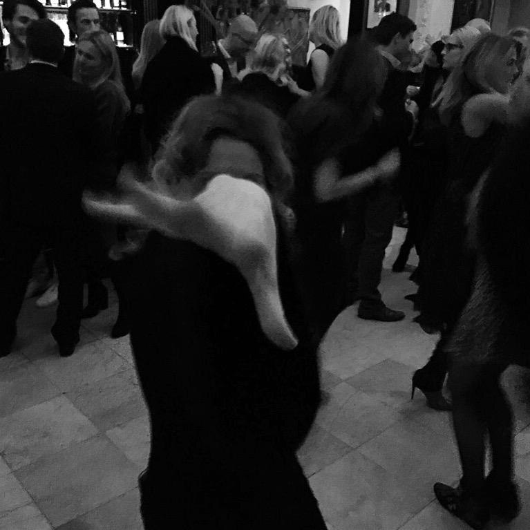 "Spontaner Einsatz als Dancing Queen beim ""Dinner for Friends"" im Restaurant Grosz"