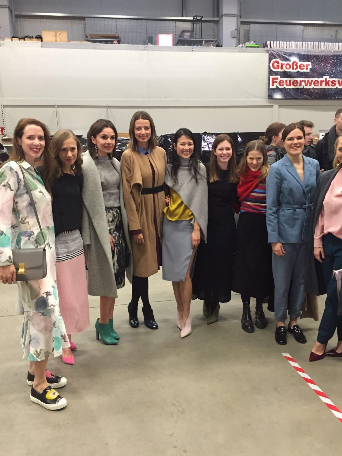 Star-Auflauf bei Perret Schaad: Die deutsche Schauspielriege um Alina Levshin, Fritzi Haberlandt und Co. feiert die neue Kollektion des Berliner Labels