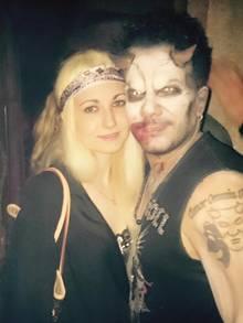 """Lorena und Marc Terenzi zeigen sich innig bei seiner """"Horror Night"""" im Europapark."""