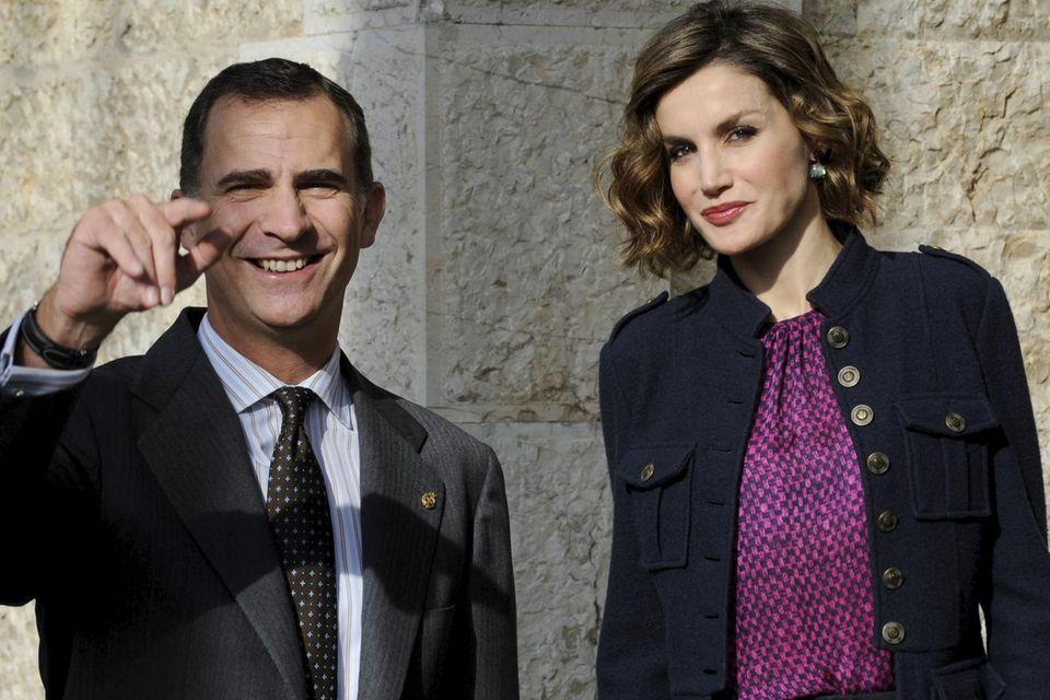 Letizias Gelassenheit und sympathisches Lächeln hilft auch dem Mann an ihrer Seite: König Felipe von Spanien