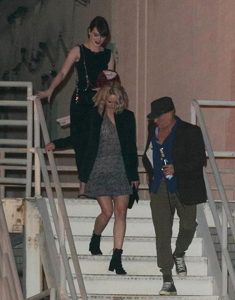 Emma Stone, Jennifer Lawrence und Woody Harrelson tanzten beim Konzert und verließen die Venue gemeinsam.