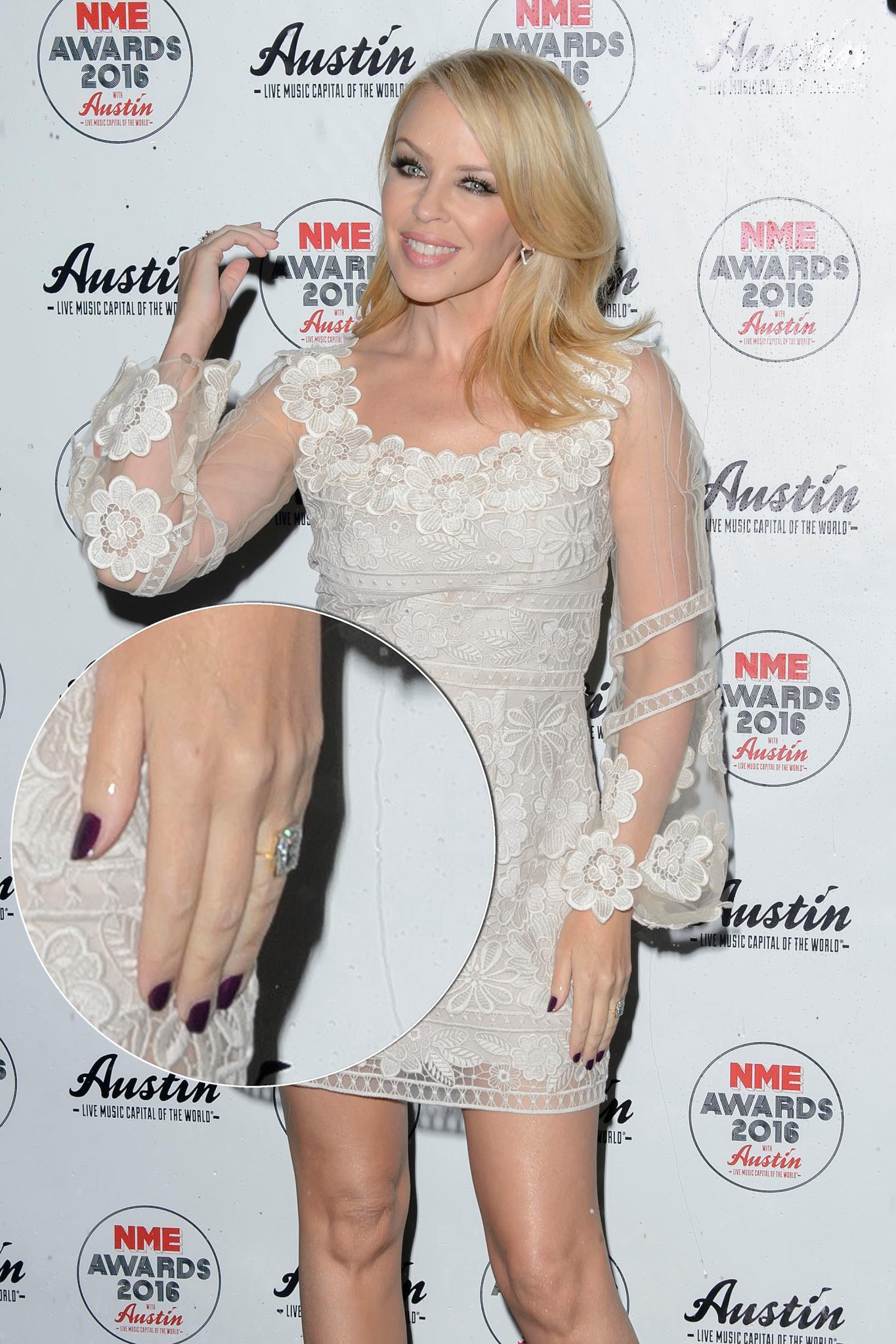 Kylie Minogue trägt seit Anfang des Jahres diesen Riesenklunker.