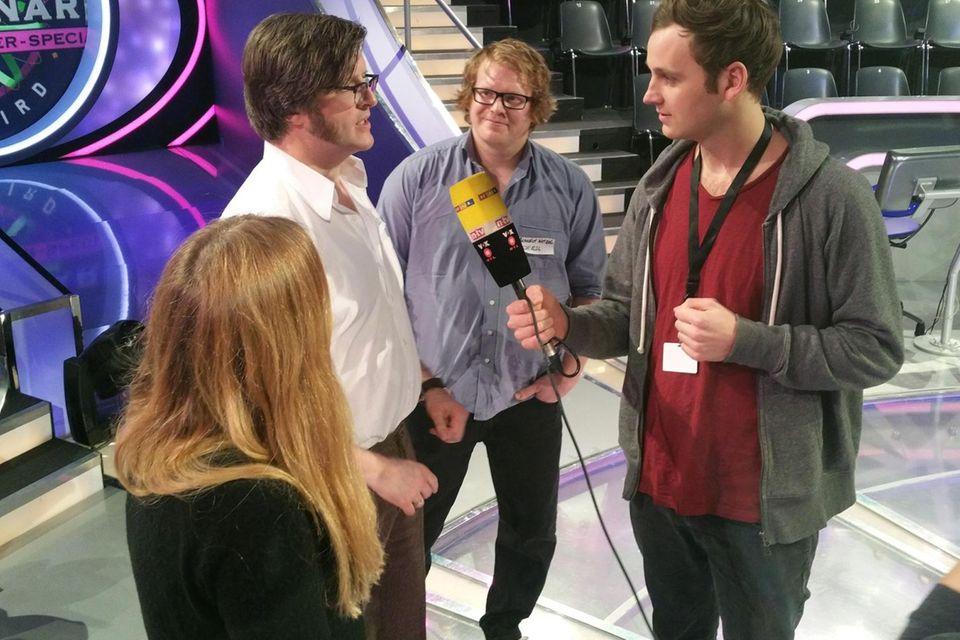 Leon Windscheid (r.) mit den Kandidaten Axel Othmer (l.) und Benedikt Wetzel