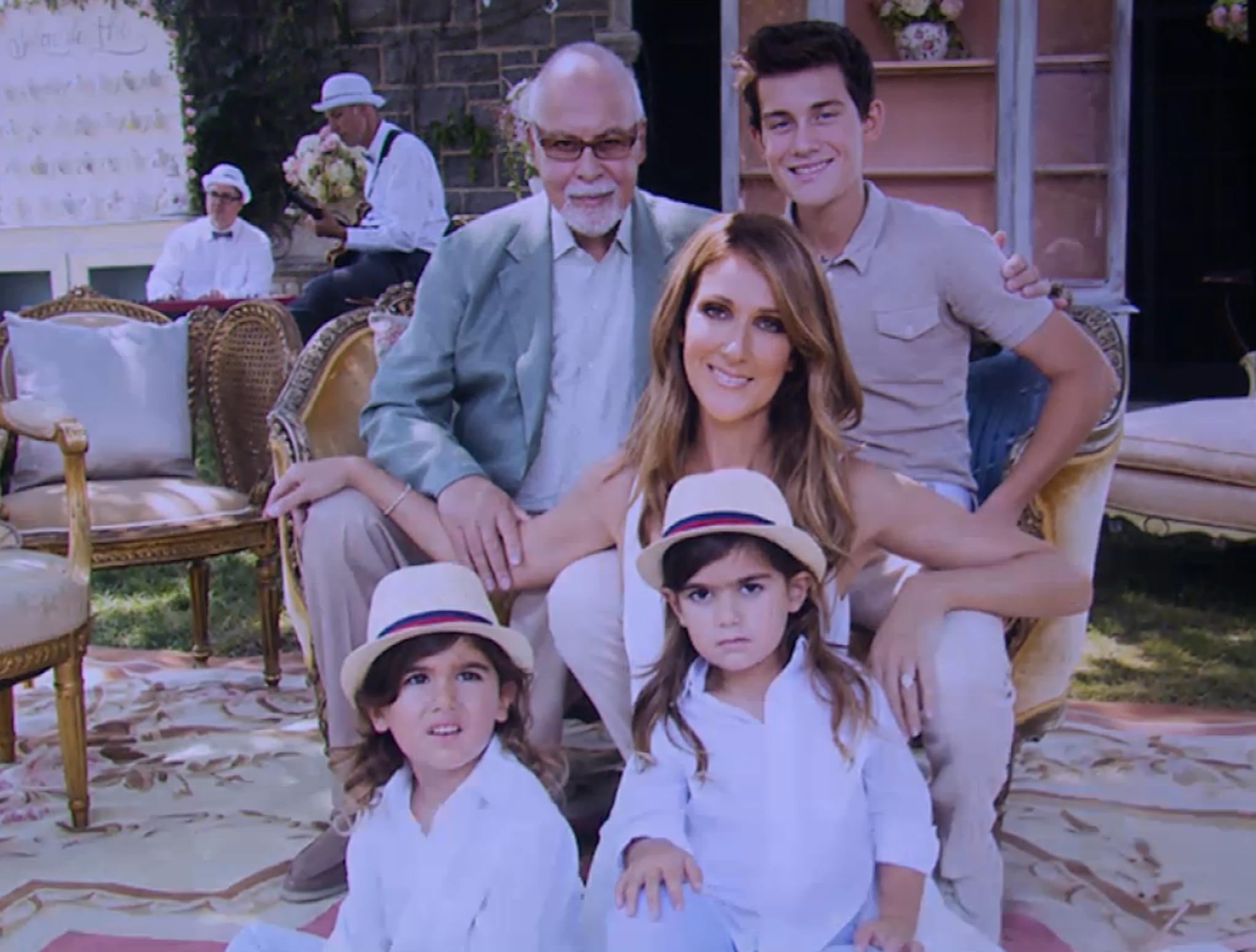 Glückliche Familie: Céline Dion und René Angélil mit ihrem ältesten Sohn René-Charles und den Zwillingen Eddy und Nelson.
