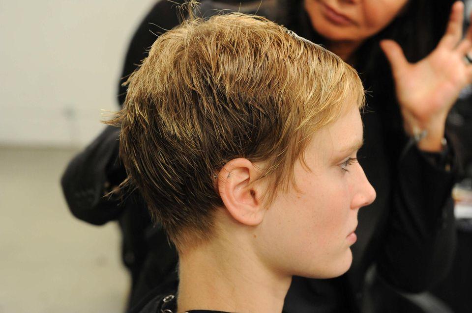 GNTM-Kandidatin Kim mit kurzen Haaren