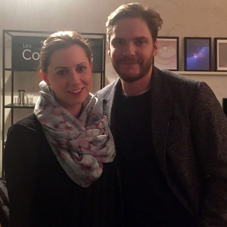 GALA-Redakteurin Kathrin traf Daniel Brühl bei der Berlinale auf einen Kaffee - oder auch zwei.