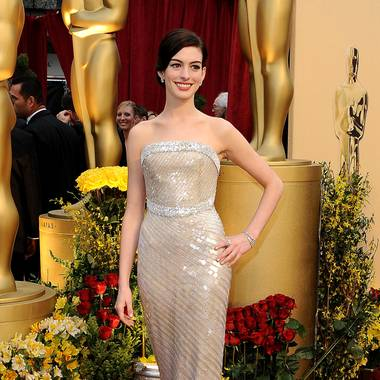 2010: Anne Hathaway in Armani Prive