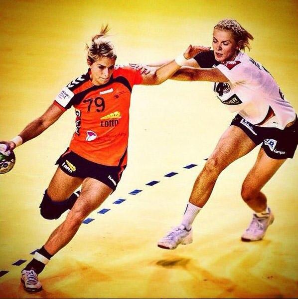 """In ihrem Element: """"Ich will die beste Handballspielerin der Welt sein"""", sagt Estavana – und spielt mit ihrer Gesundheit"""