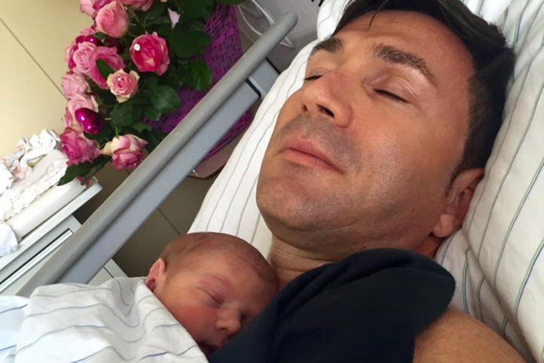 Lucas Cordalis mit der kleinen Sophia