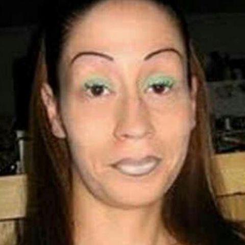 "Instagramaccoung ""badbrows_"""