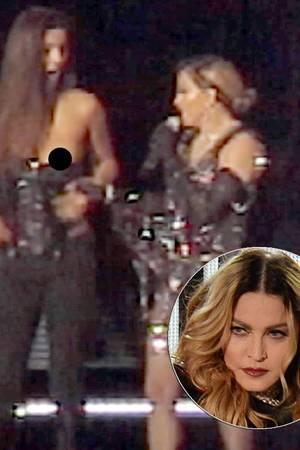 Madonna entblößt einen Fan.