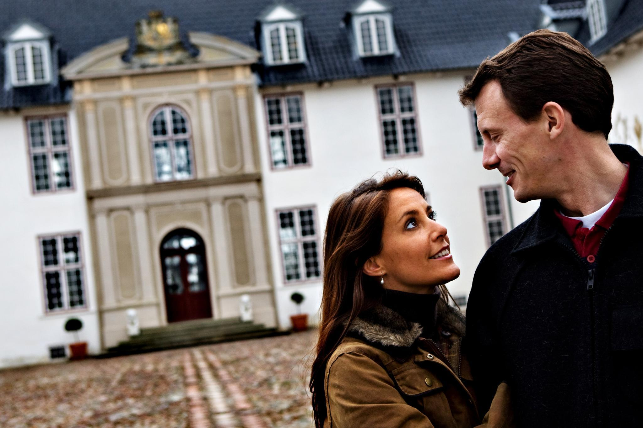 Prinzessin Marie, Prinz Joachim vor Schloss Schackenborg