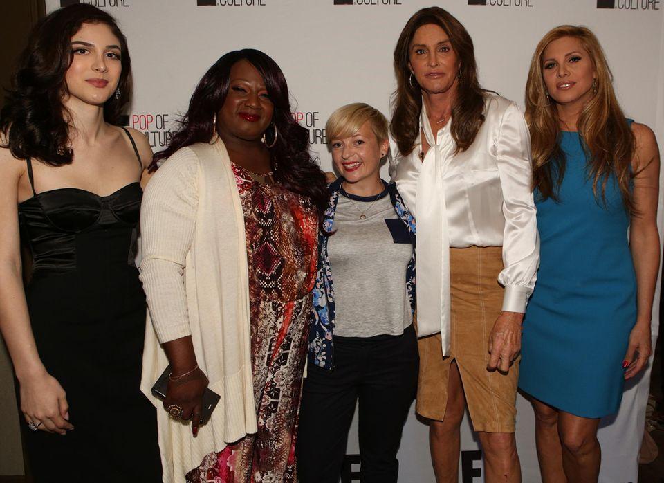 """GALA-Mitarbeiterin Ines Weißbach trifft Caitlyn Jenner und ihre Freundinnen Ella Giselle, Chandi Moore und Candis Cayne in Los Angeles. Mit ihnen fuhr Caitlyn für die zweite Staffel von """"I Am Cait"""" im Bus durch die USA, um die Transgernder-Community kennenzulernen und auf Probleme aufmerksam zu machen. """"Ich habe viel gelernt"""", sagt die 66-Jährige."""