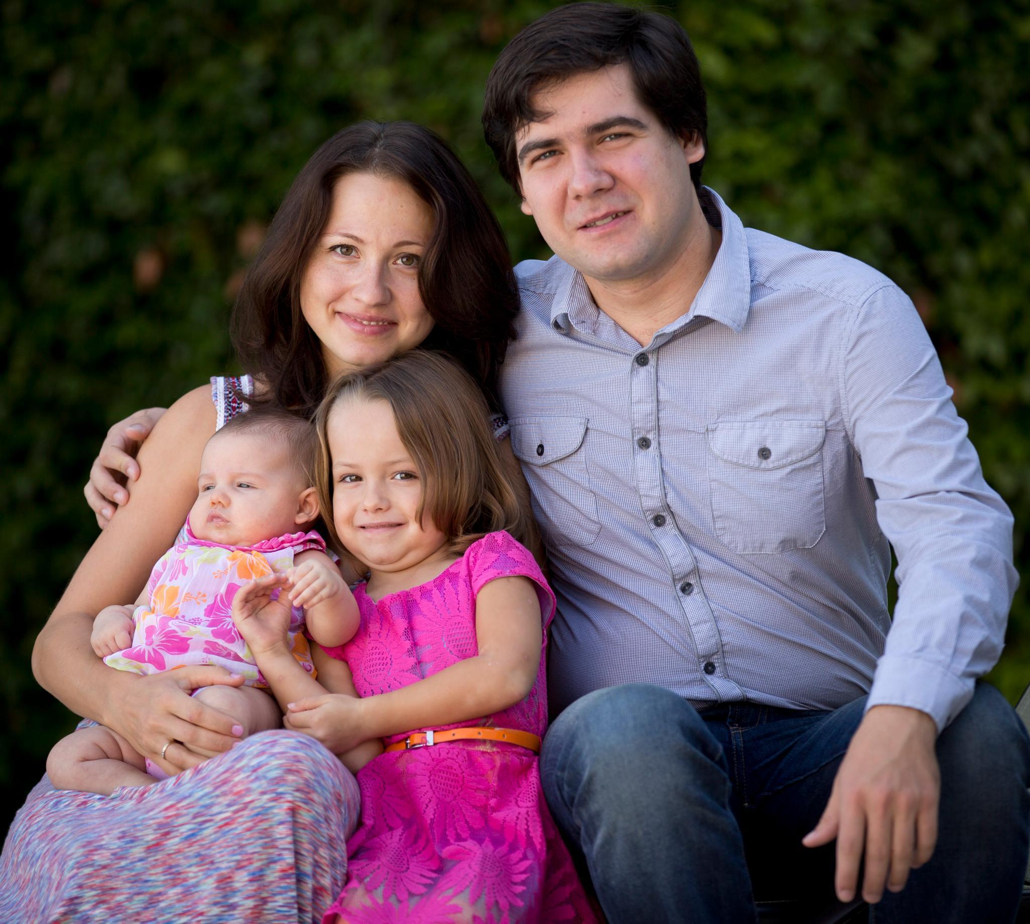 Vadym Kholodenko, Sofya Tsygankova, Nika (†) und Michele (†)